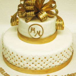 Torta Mujer dorada