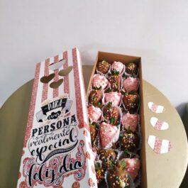 Caja sorpresa Fresas con chocolate